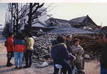 大震災 は いつ 阪神 神戸新聞NEXT|連載・特集|阪神・淡路大震災|震災26年目|「ここに来ればおふくろに会える」追悼の碑に母の名刻む